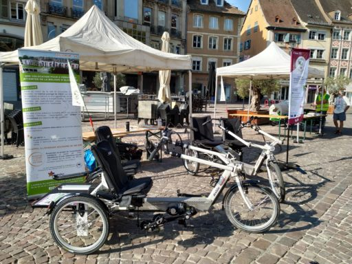 tricycle bi-place sur la place de la réunion à Mulhouse