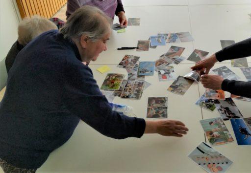 photo habitants en ateliers